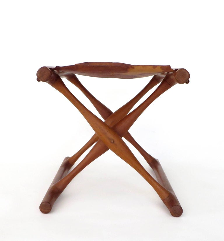 Poul Hundevad Danish Folding Stool PH 43 In Excellent Condition For Sale In Chicago, IL