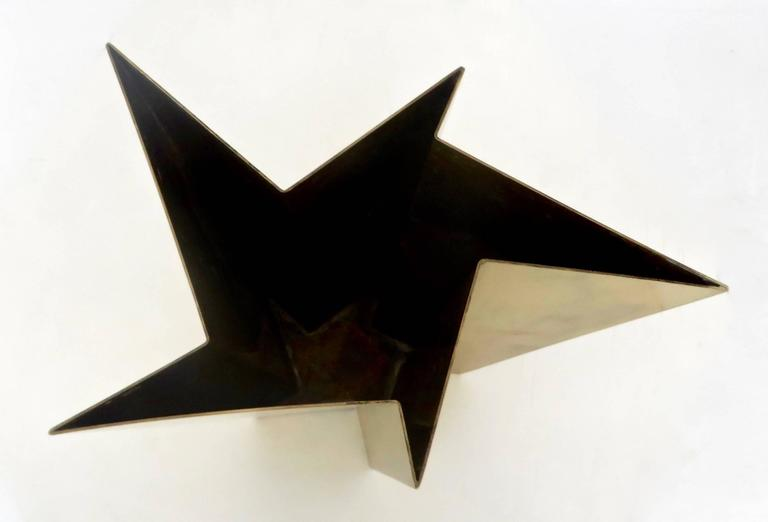 Italian Star Form Brass Vase by Tommaso Salocchi, Studio Salocchi For Sale 3