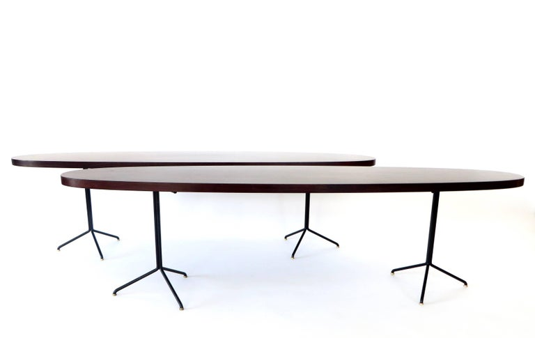 Mid-Century Modern Pair of Osvaldo Borsani for Tecno Oval Rosewood Coffee Tables on Metal Legs For Sale