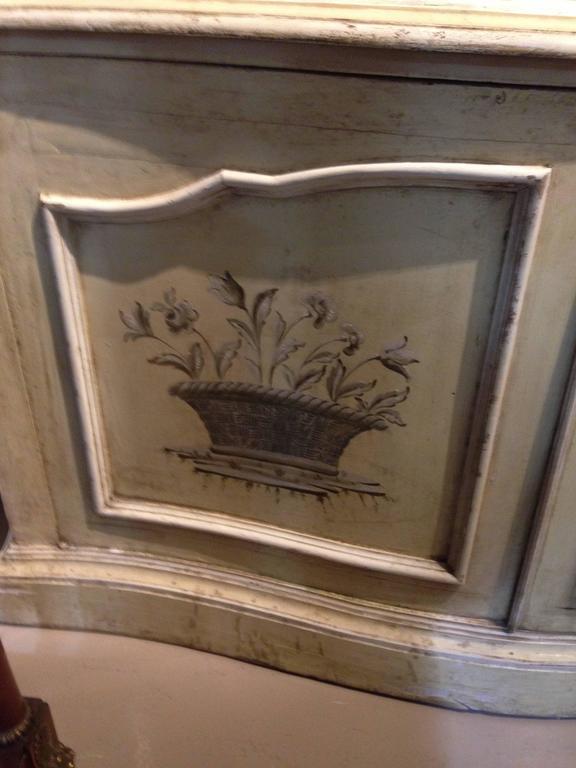 Elegant 19th Century Italian Neoclassical Painted Bookcase 2