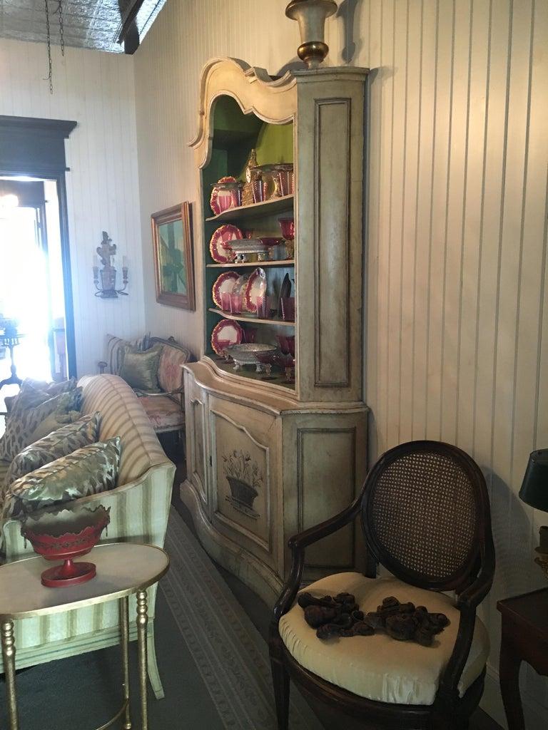 Elegant 19th Century Italian Neoclassical Painted Bookcase For Sale 5
