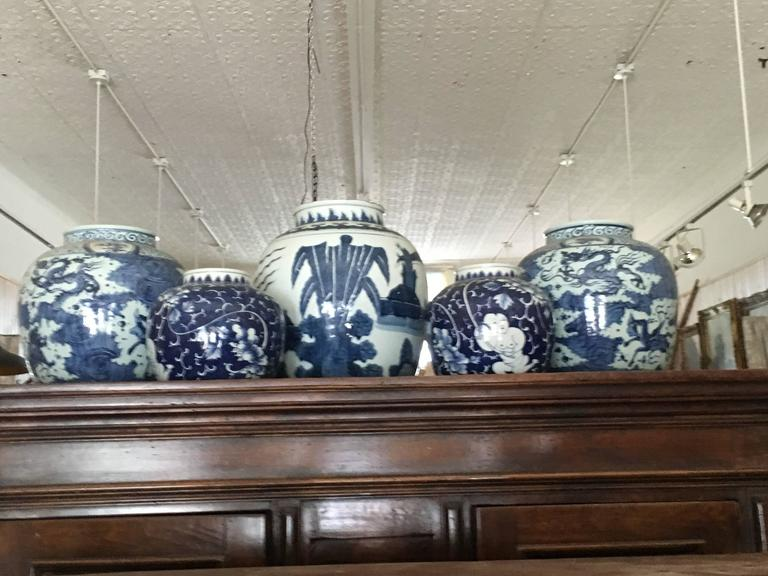 Large Collection Of Chinese Export Blue and White of Large Scale For Sale 1