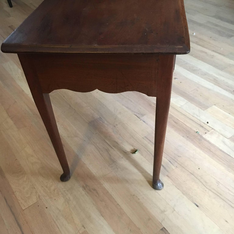 18th Century American Mahogany Tea Table, Great Size and Form In Excellent Condition For Sale In Buchanan, MI
