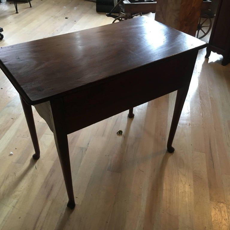 18th Century American Mahogany Tea Table, Great Size and Form For Sale 4