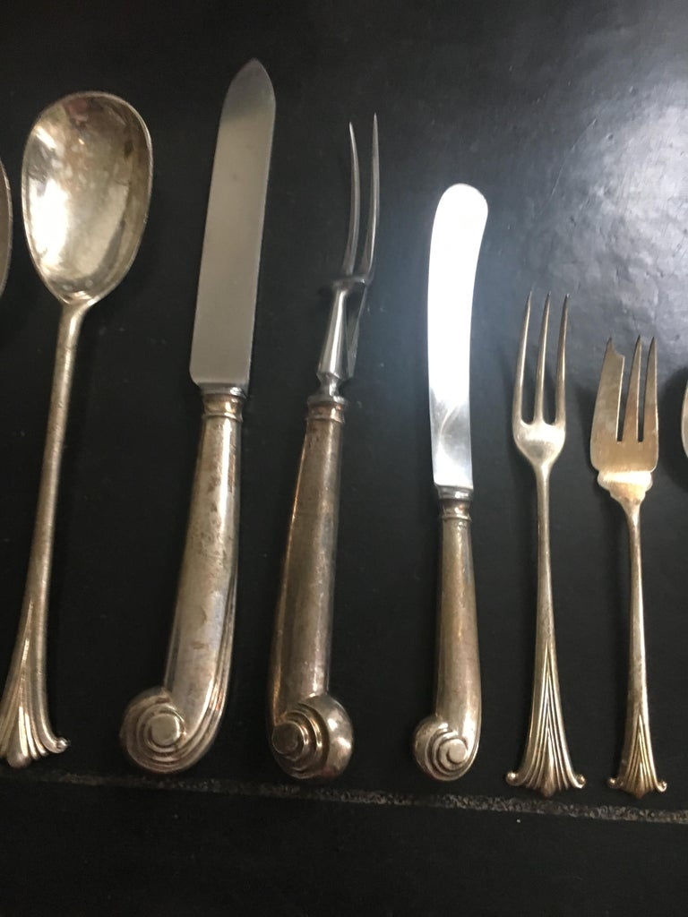 Extensive English Sterling Silver Flatware Service for 12 For Sale 4