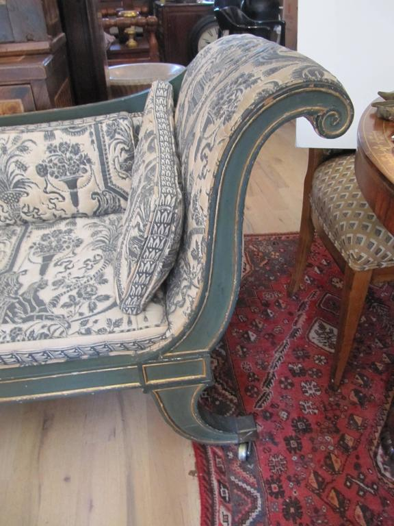English Charming Early 19th Century Regency Chaise Longues with Painted Decoration For Sale