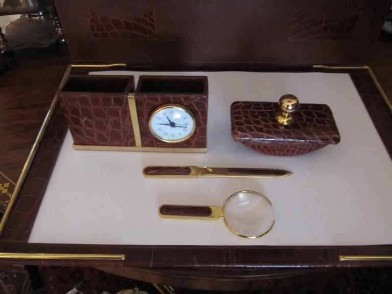 Italian Alligator Desk Set in the Style of Hermes In Excellent Condition For Sale In Buchanan, MI