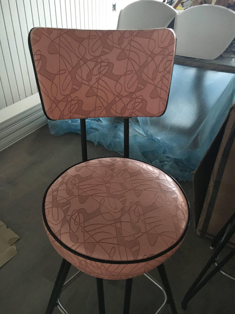 Set of Three Kitch Mid-Century Bar Stools with Pink Upholstery, Black Piping 4