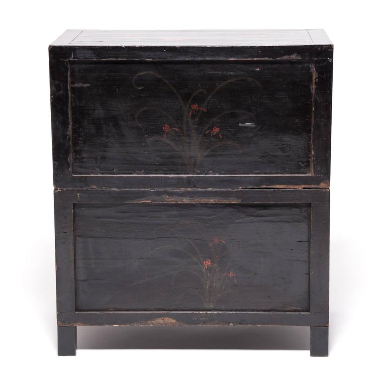 Pair of Chinese Cloud and Phoenix Painted Chests For Sale 3