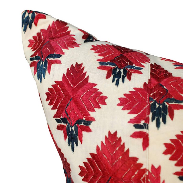 Throw Pillow with Vintage Indian Embroidery In Good Condition For Sale In Chicago, IL