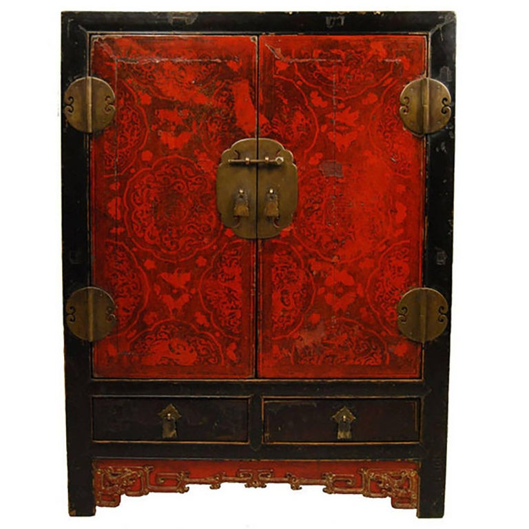 Finely Lacquered Chinese Chest