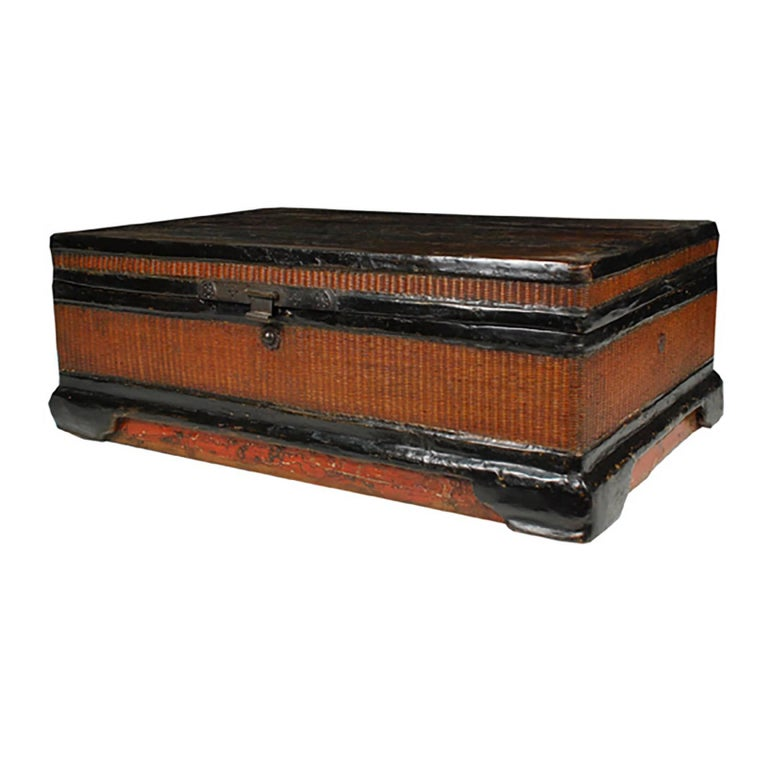 Qing Chinese Fine Woven Lacquered Trunk For Sale