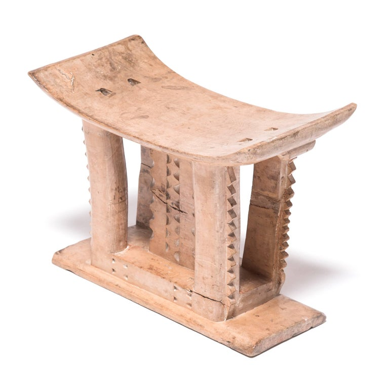 Hand-Carved Ghanaian Ashanti Incised Stool For Sale