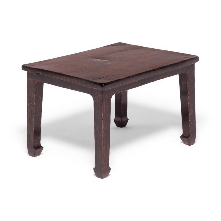 19th Century Chinese Knotty Low Table In Good Condition For Sale In Chicago, IL