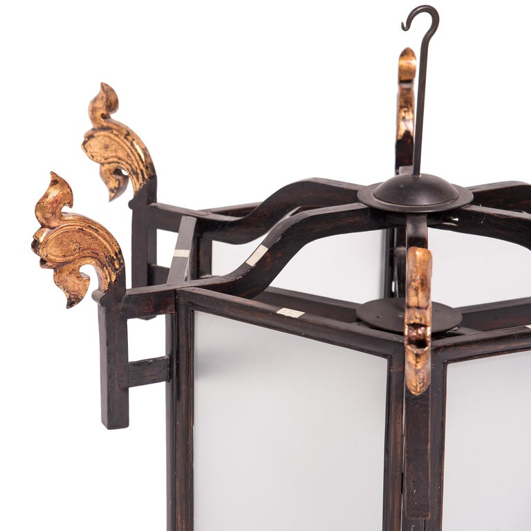 19th Century Chinese Lantern with Gilt Lotus Finials In Good Condition For Sale In Chicago, IL