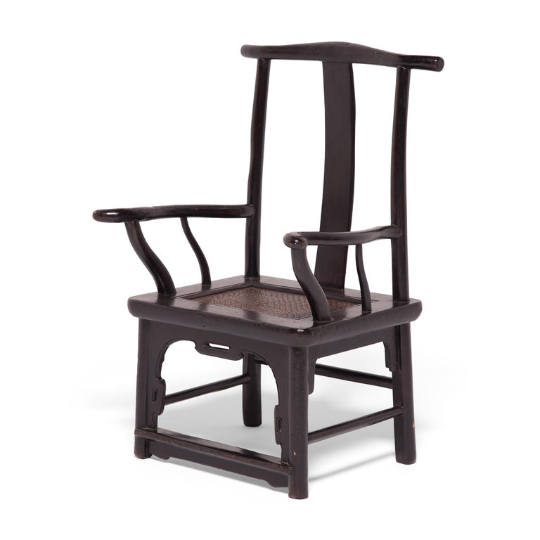 Qing Pair of 19th Century Chinese Tall Back Porch Chairs For Sale