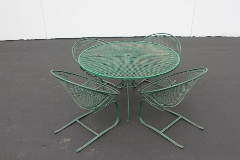 Mid-Century Modern Salterini Patio Set Table with Four Radar Chairs For Sale 3