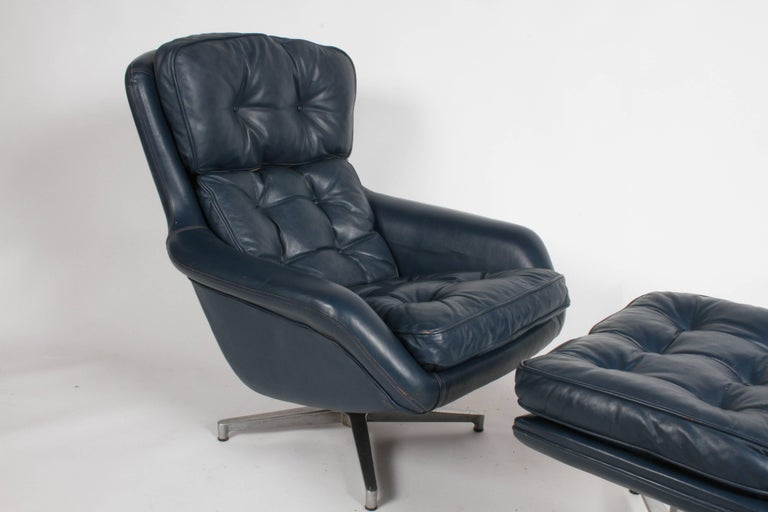 Mid-20th Century Midcentury DUX Form 7 Swivel Lounge and Ottoman Des. Alf Svensson For Sale