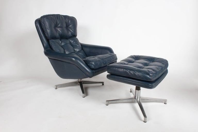 Scandinavian Modern Midcentury DUX Form 7 Swivel Lounge and Ottoman Des. Alf Svensson For Sale
