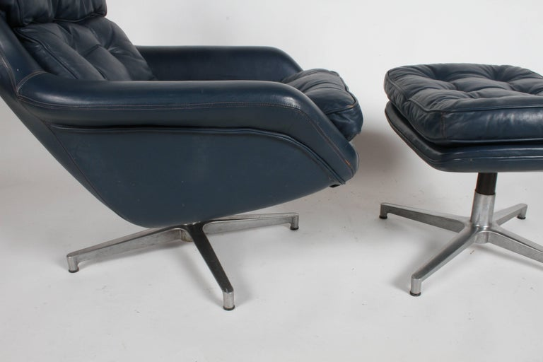Midcentury DUX Form 7 Swivel Lounge and Ottoman Des. Alf Svensson For Sale 4