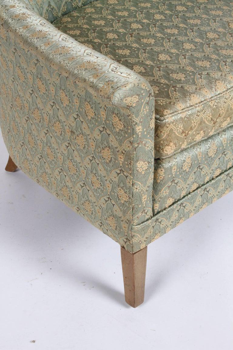 Elegant Spoon Back Romweber Lounge Chair  For Sale 1