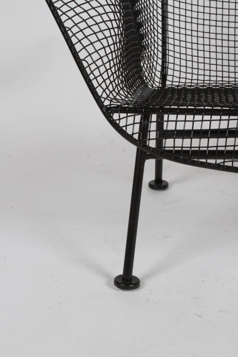 Russell Woodard Sculptura Wrought Iron Settee, Restored In Excellent Condition For Sale In St. Louis, MO