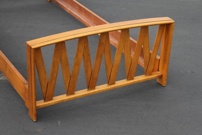 Mid-20th Century Pair of Paul Frankl for Johnson Furniture Twin Beds For Sale