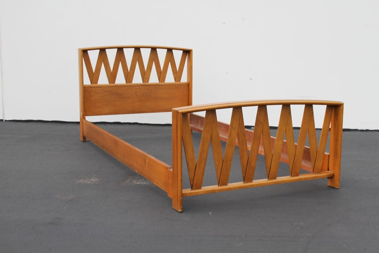 Pair of Paul Frankl for Johnson Furniture Twin Beds For Sale 3