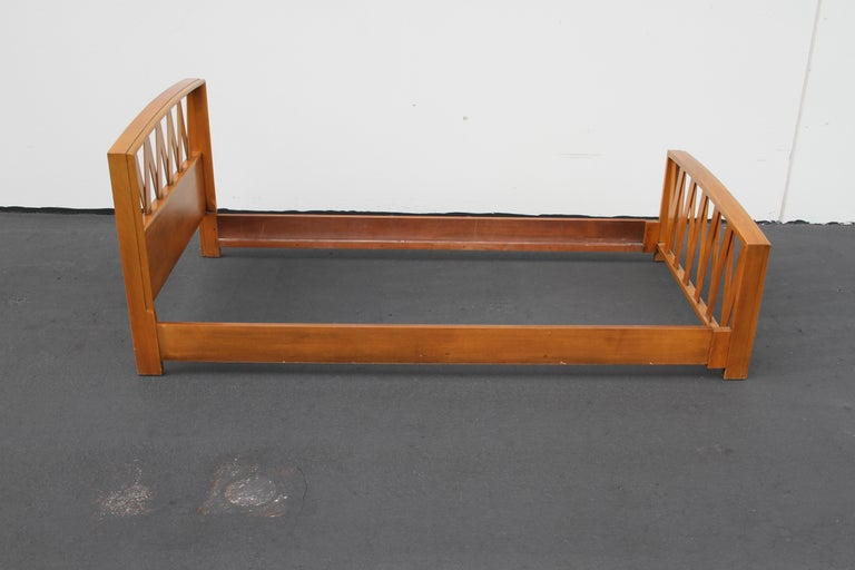 Pair of Paul Frankl for Johnson Furniture Twin Beds For Sale 5