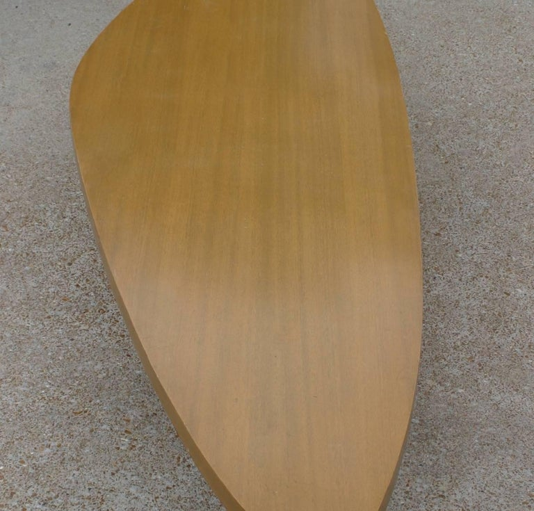 Harvey Probber Biomorphic Surfboard Cocktail Coffee Table In Good Condition For Sale In St. Louis, MO