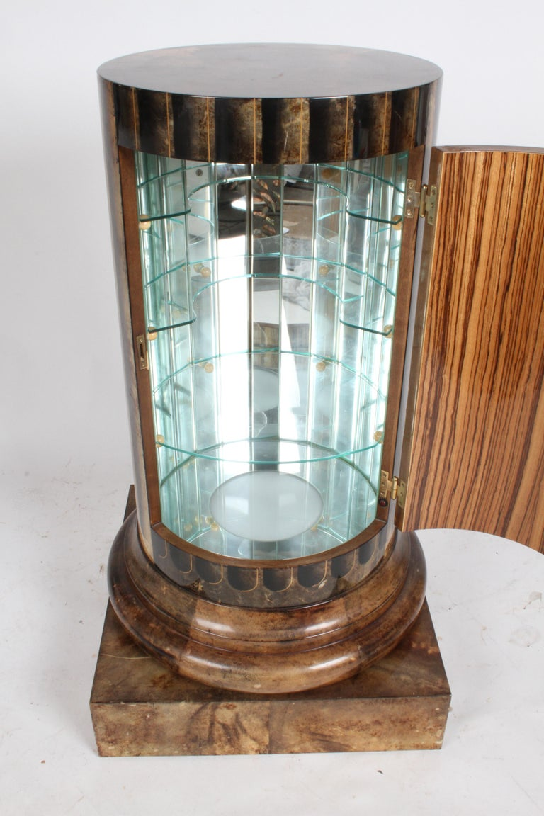 Aldo Tura, Italy, Goatskin Column Dry Bar In Good Condition For Sale In St. Louis, MO