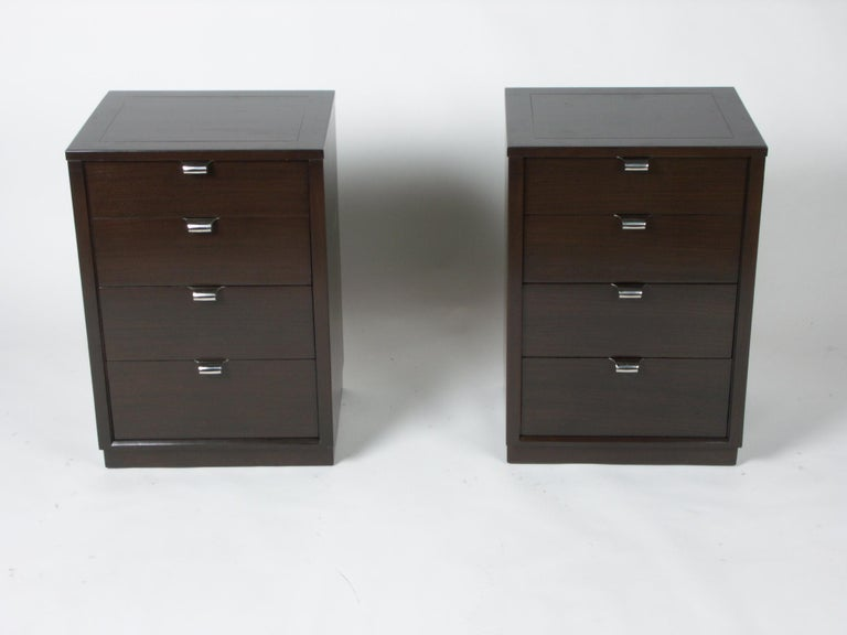 Mid-Century Modern Pair of Edward Wormley for Drexel Precedent Nightstands or Small Chests For Sale