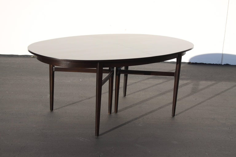 Beautiful RomWeber Oval Mid-Century Dining Table In Excellent Condition For Sale In St. Louis, MO