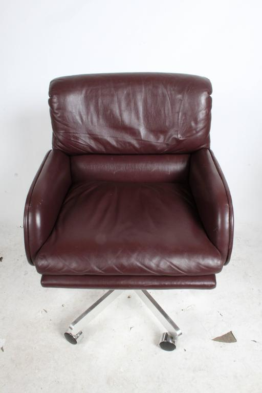 Six Roger Sprunger for Dunbar Executive Chairs Sold as Set or Singles 7