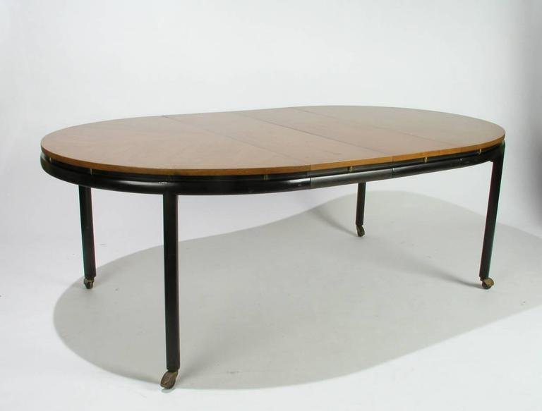 Baker New World Collection Oval Dining Table by Winsor White & Michael Taylor In Excellent Condition For Sale In St. Louis, MO