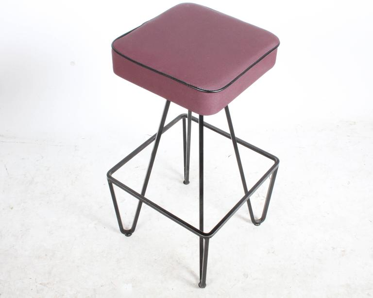 Mid-Century Modern Pair of Wrought Iron Bar Stools after Frederick Weinberg For Sale