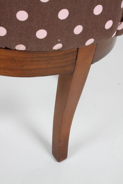 1940s Tufted Swivel Vanity Stool In Good Condition For Sale In St. Louis, MO