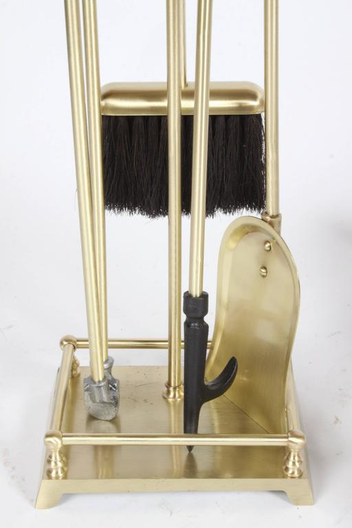 Brass Art Deco Modern torqued Andirons and Fire Tools Set, Deskey Style In Excellent Condition For Sale In St. Louis, MO