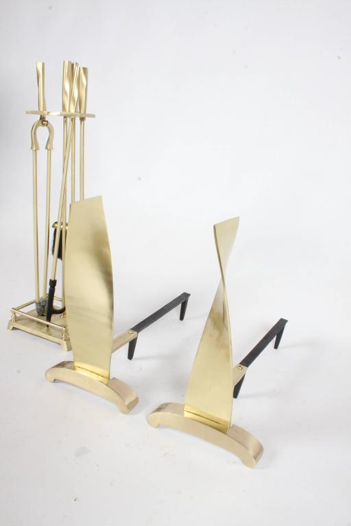Brass Art Deco Modern torqued Andirons and Fire Tools Set, Deskey Style For Sale 3