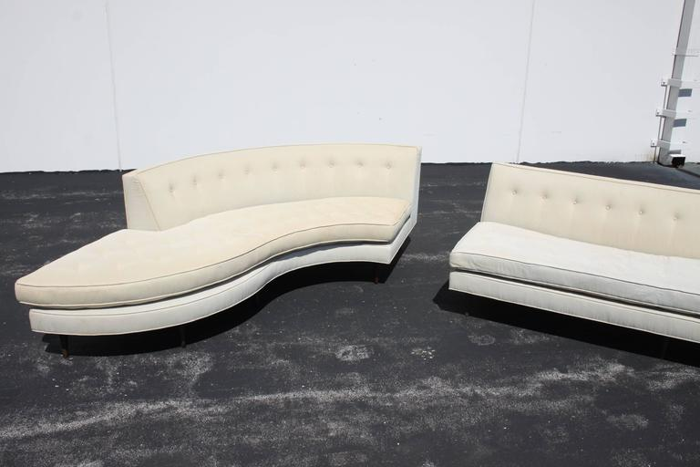 Large Elegant Harvey Probber Two-Piece Sectional Sofa 7