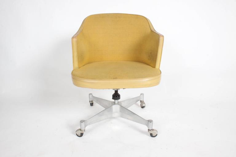 George Nelson for Herman Miller low desk chair on castors with swivel, tilt and adjusts in height. Sold with original upholstery that shows its age, some photos have been edited, mainly the back. Upholstery and foam need replacement. Original label,