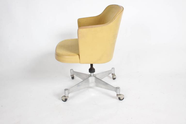 Mid-Century Modern George Nelson for Herman Miller Low Desk Chair For Sale