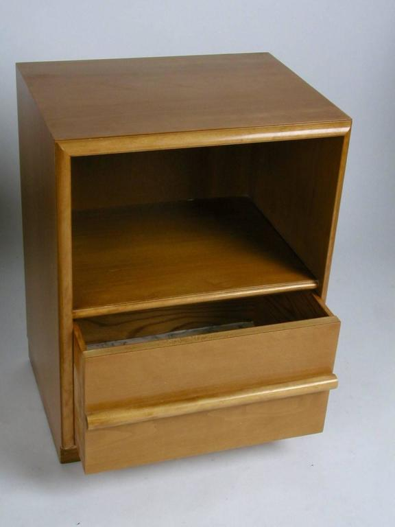 T.H. Robsjohn-Gibbings for Widdicomb nightstand or end table with horizontal dowel handle and single drawer on bottom. Original restored finish, can be refinished in a dark espresso for additional cost, circa 1950s.