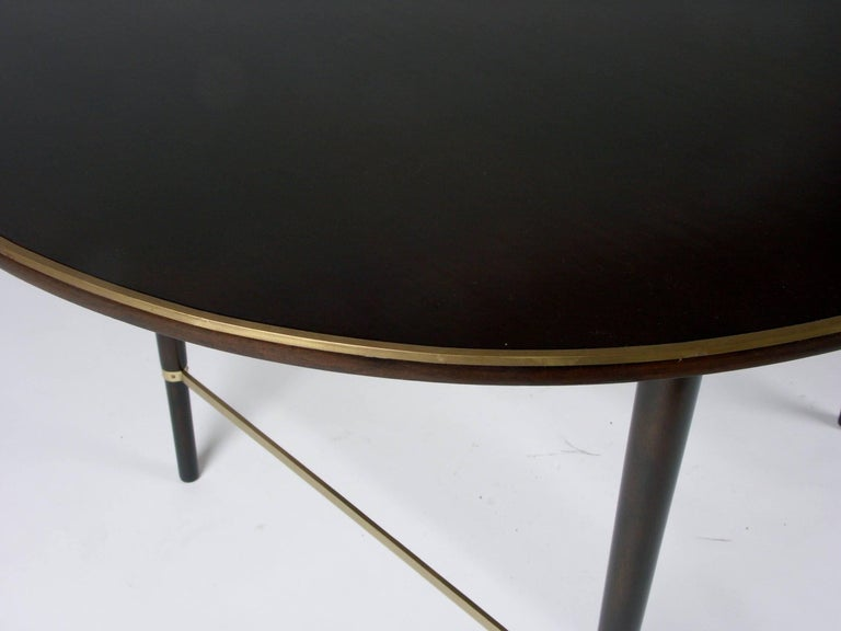 Mid-20th Century Large Paul McCobb Oval Mahogany and Brass Dining Table with Six Leaves For Sale