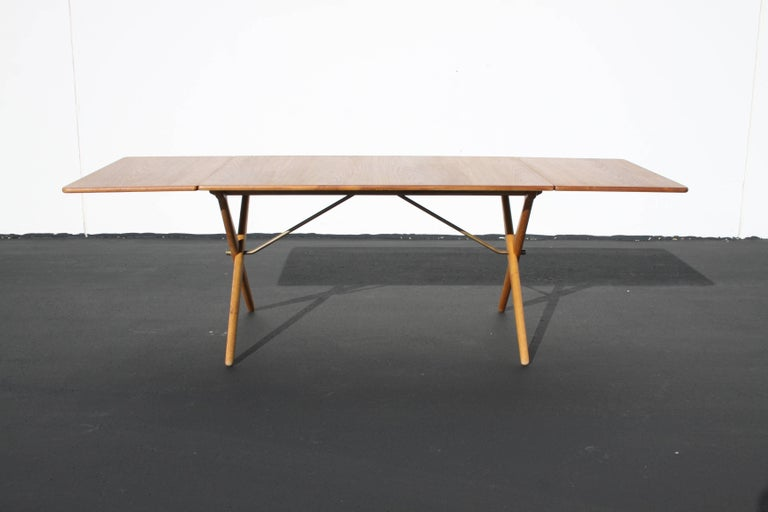 Mid-20th Century Hans J. Wegner Drop-Leaf Dining Table Model AT-309, Beautifully Restored For Sale