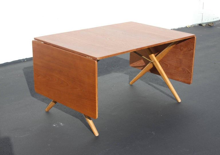 Mid-Century Modern Hans J. Wegner Drop-Leaf Dining Table Model AT-309, Beautifully Restored For Sale