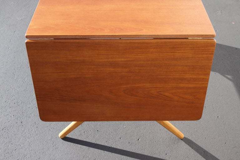 Hans J. Wegner Drop-Leaf Dining Table Model AT-309, Beautifully Restored 4
