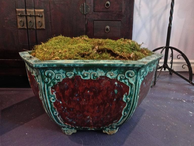 Pair of Chinese Hexagon Planters In Excellent Condition For Sale In Sarasota, FL