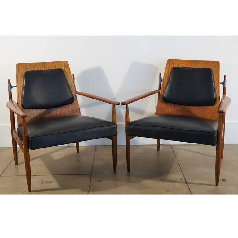Rare Pair of Mid-Century Modern Red Elm Chairs 3