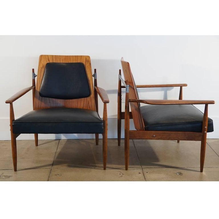 Rare Pair of Mid-Century Modern Red Elm Chairs 4